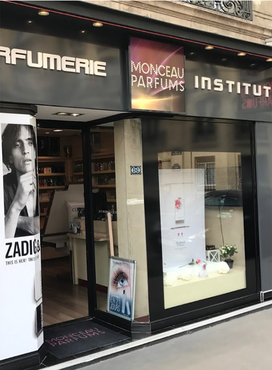Devanture de Monceau Parfums Paris